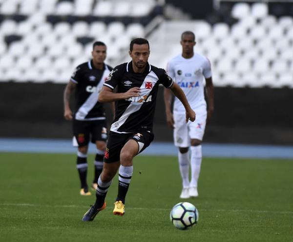 Jogo contra o Santos, no último dia 16, pode ter sido o último de Nenê com a camisa do Vasco