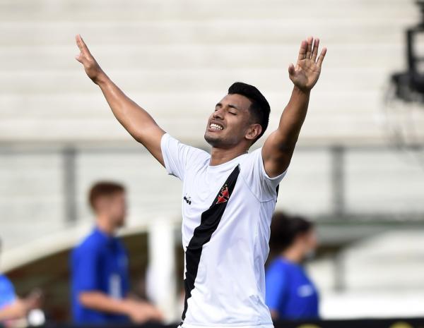 Andrés Ríos comemora gol do Vasco