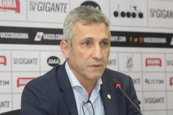 Alexandre Campello tenta obter empréstimo para fechar as contas do Vasco em 2018