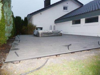 Terrasse-mit-Wirlpool-und-LED-Beleuchtung-bearbeitet