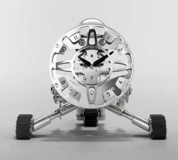 Für das Kind im Mann: Grant, die Roboteruhr von MB&F und L'Epée 1839