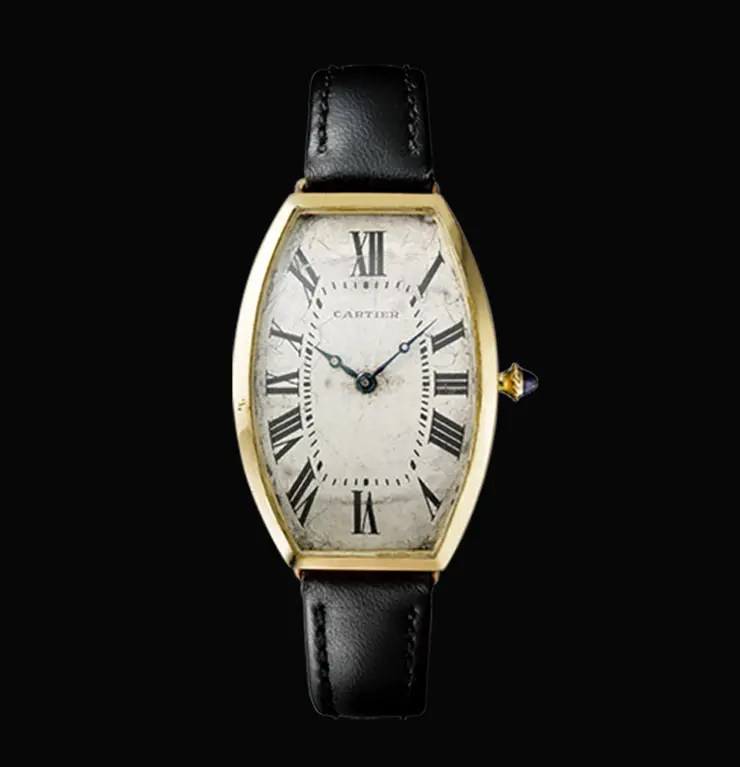 Historische Cartier Tonneau von 1908, Vincent Wulveryck, Cartier Collection © CartierTONNEAU