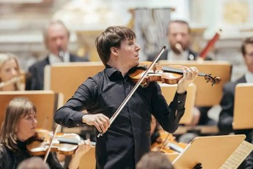Joshua Bell nimmt 16. Glashütte Original MusikFestspielPreis entgegen