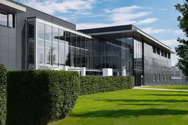 Frederique Constant feiert offizielle Eröffnung des erweiterten Hauptsitzes