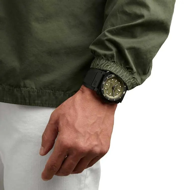 740.Bell & Ross BR 03 Diver Military