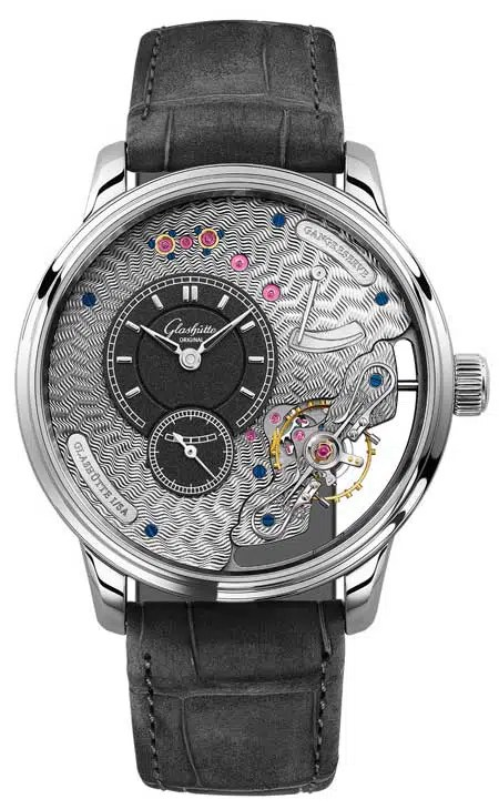 450.Perspektivwechsel: Die Schönheit des Uhrwerks wird auf der Vorderseite der Uhr präsentiert