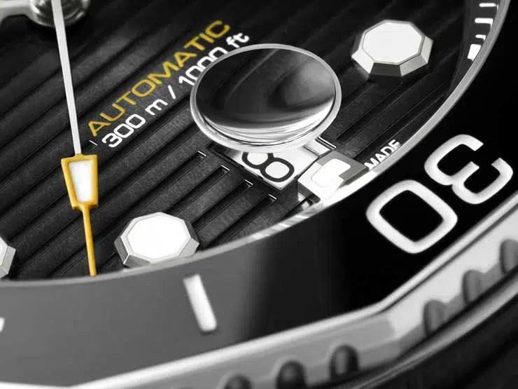 740.3 TAG Heuer Aquaracer Professional 300