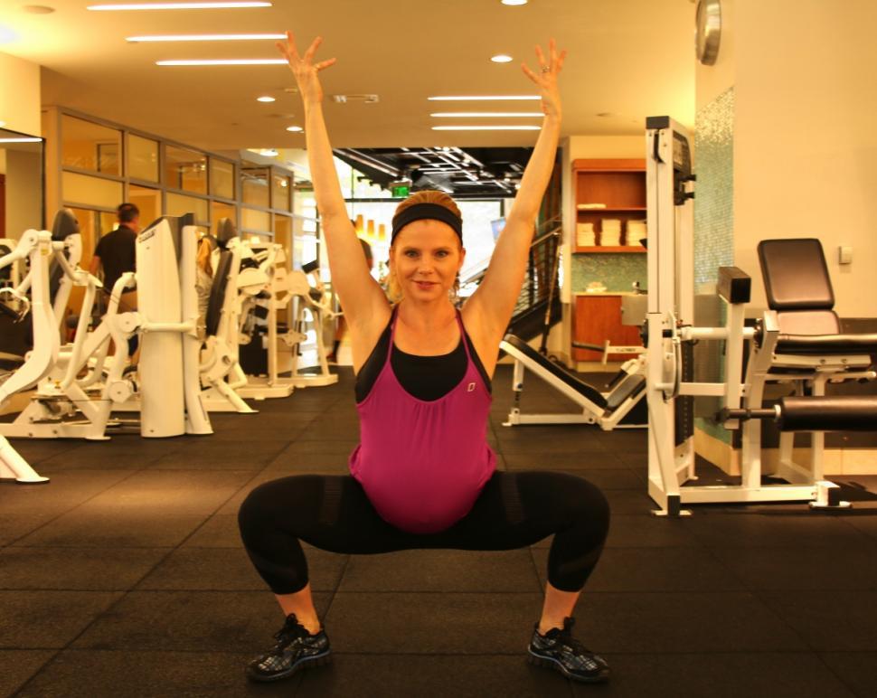 Enceinte à ses cours de gym, elle subit les insultesdes autres