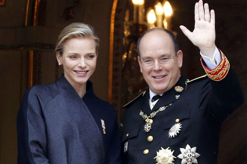 Charlène Wittstock, ex-championne de natation, et Albert II, le Prince de Monaco : le royal baby verra le jour à la fin de l'année comme il a été annoncé dans un communiqué.