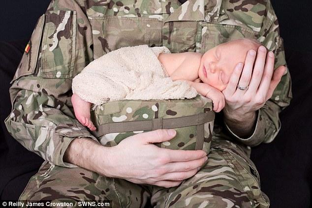 Calendrier-bebes-soldats-2