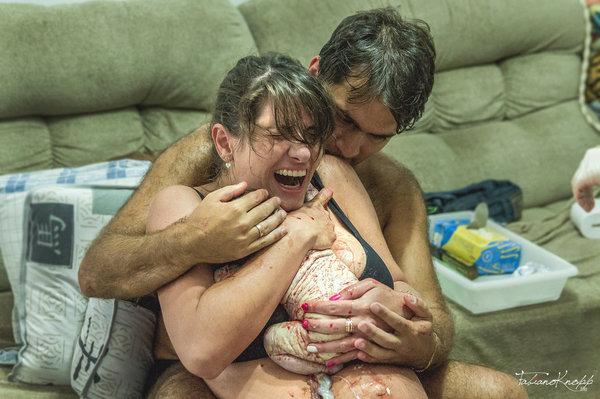 photos-accouchement-papa-et-bebe-bienvenue-photographe-professionnel-19