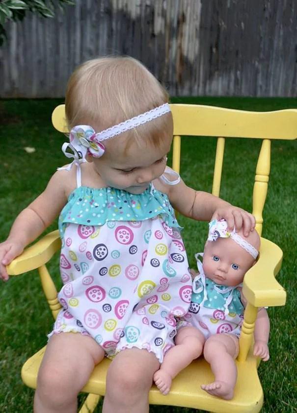 bebe qui ressemblent a leur poupee 19