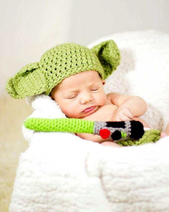 Bébé en yoda