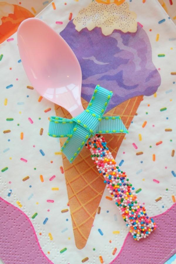 ice cream-cuillère-neuf-mois