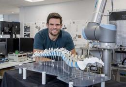 3D printed vertebrae helping Nottingham spinal surgeons practice 'very delicate' procedures