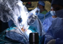Brain surgery: The robot efficacy test?