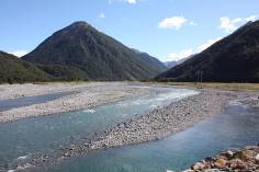 Flusslandschaft in den Southern Alps