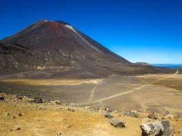 Farbenspiel auf dem Tongariro Alpine Crossing Weg