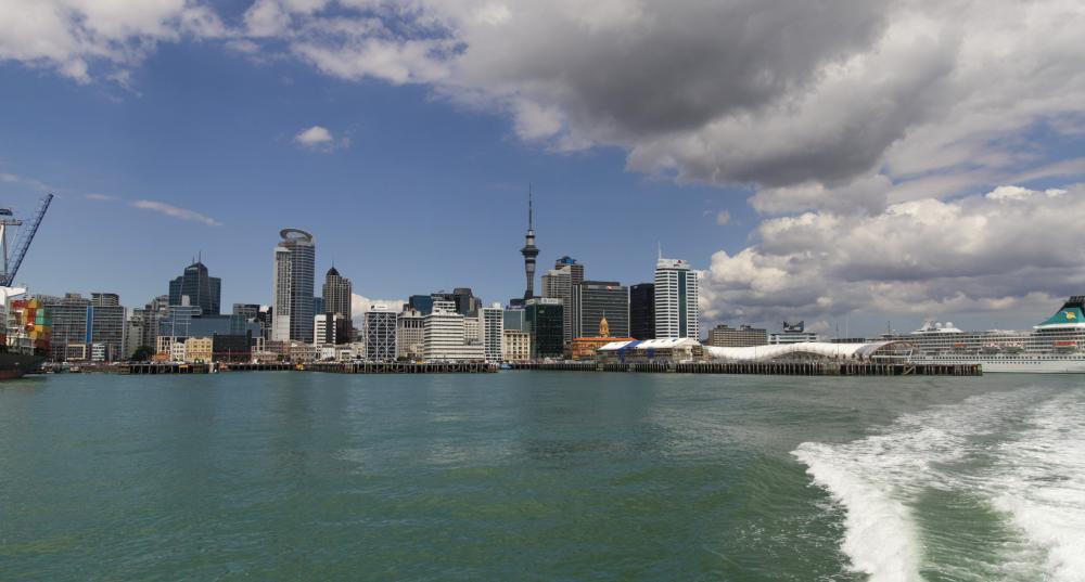 Auckland von der Wasserseite aus
