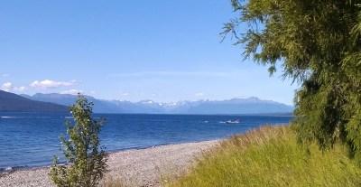 Lake Te Anau mit Aussicht auf die Berge