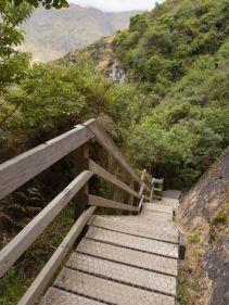 Steile Stufen zum Ausblick