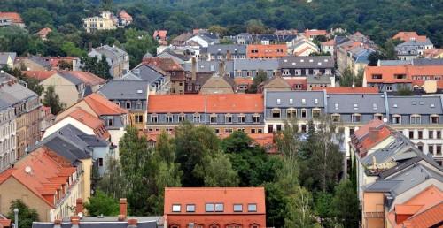 Blick von der Martin-Luther-Kirche - im Hintergrund die Heide