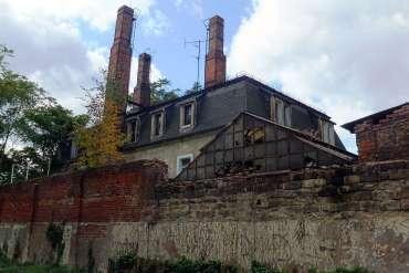Ruine im Hinterhof