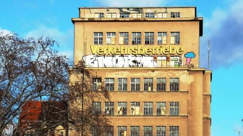 Im Herbst soll der Turm cremefarben schimmern - Foto: Archiv