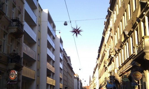 Herrnhuter Sterne auf der Alaunstraße