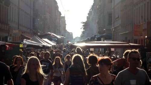 Auch am frühen Abend war die Louisenstraße noch gut gefüllt.