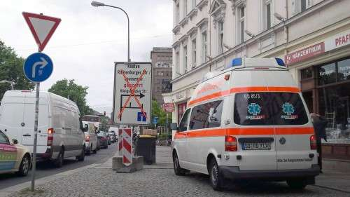 """Von der Sperrung des """"Knotens"""" Rothenburger-/Ecke Bautzner Straße künden schon die Schilder."""