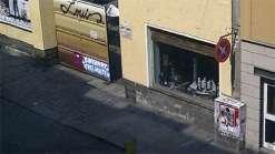 Selbstgebasteltes Halteverbotsschild auf der Louisenstraße