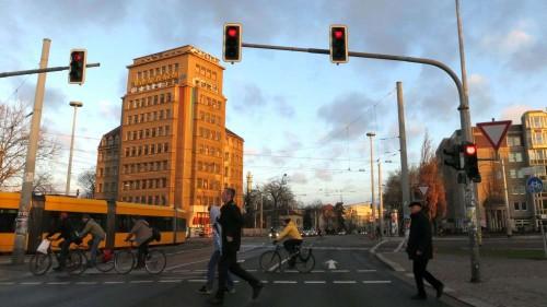 Morgenstimmung am Verkehrsknoten - anklicken zum Vergrößern