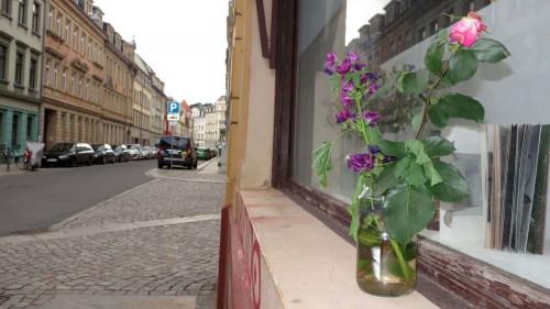 Blumen auf der Prießnitzstraße