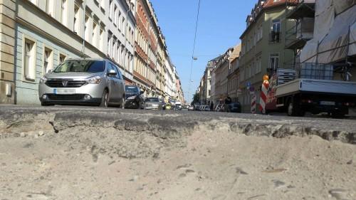 Schlagloch an der Louisen-/Ecke Pulsnitzer Straße