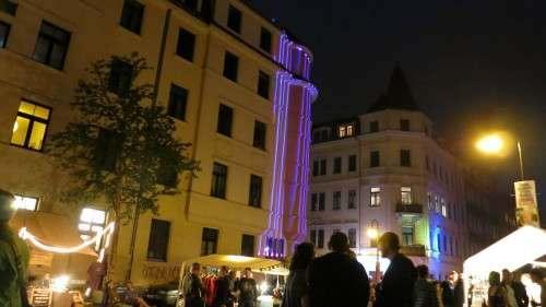 Techno-Bässe und Lichtgeflunker