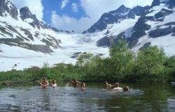 Gebirgssee im Kaukasus