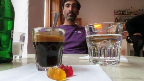 Gummibärchen, Kaffee, Guram