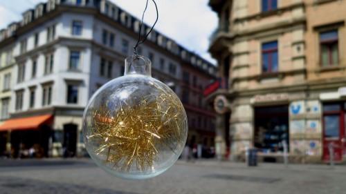 Weihnachtsschmuck an der Ecke Louisen-/Rothenburger Straße