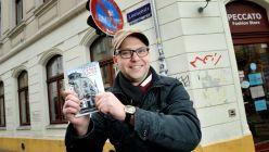 Kann sich freuen ... Buchautor Anton Launer - Foto: Christian Juppe