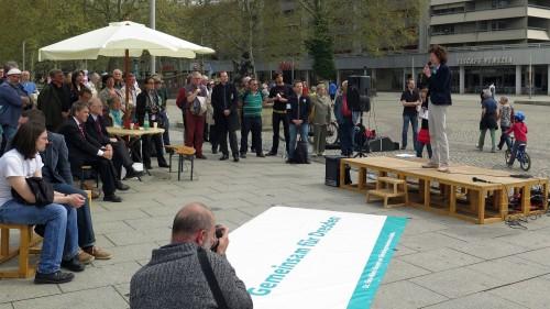 Zu der Veranstaltung kamen rund 100 Unterstützer und Neugierige