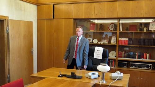 Wagner zeigt das Büro des letzten sächsischen Stasi-Generals