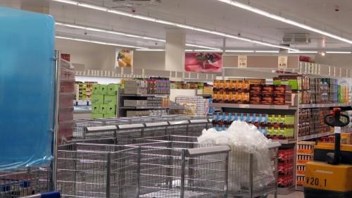 Fast schon komplett eingeräumt: Aldi-Markt