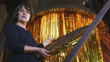 Marí Emily Bohley bei der Installation ihrer Ausstellung – Foto: Youssef Safwan