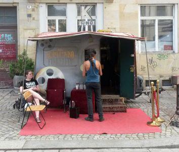 Kurzfilmkino auf der Rudolf-Leonhard-Straße