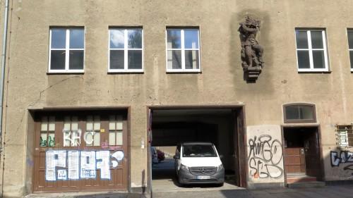 In den vergangenen Wochen wurde Feuerwache zum Flüchtlingsheim umgebaut.