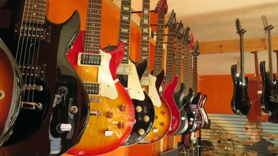 Instrumente für elektrisch verstärkte Beatmusik