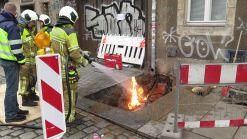 Die Feuerwehrleute haben den Brand unter Kontrolle