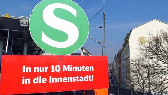Bis zum Hauptbahnhof in 10 Minuten, bis Meißen 26, bis Schöne ne knappe Stunde.