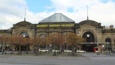 Macht auch von außen eine gute Figur. Der Bahnhof am Schlesischen Platz.